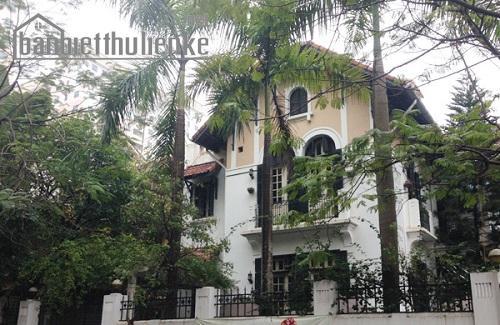 Bán biệt thự mặt phố Nguyễn Thị Định 267m2 MT:12m giá 80tỷ