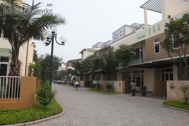Bán liền kề Palm Garden Việt Hưng 148m2 ĐB hoàn thiện giá 9,6tỷ